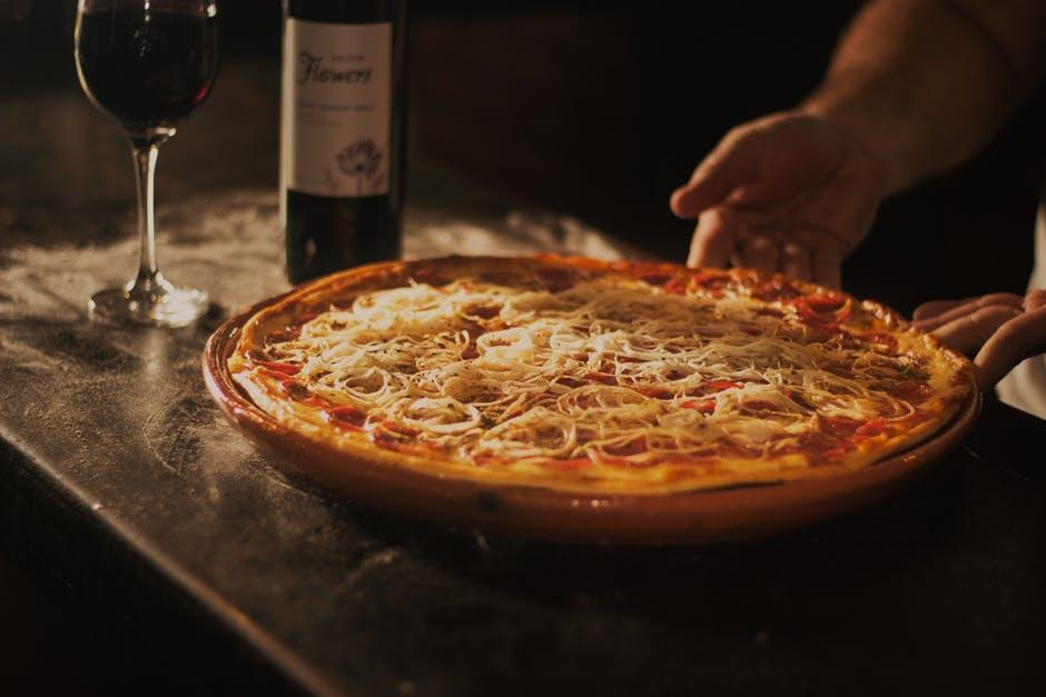 Excelência em qualidade de serviço: torne sua pizzaria referência no mercado.