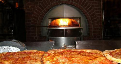 Qual é o melhor forno para pizza? Saiba como escolher o seu!
